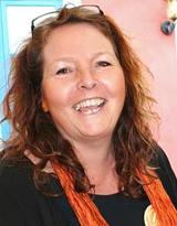 Anna Barsk Holmbom, utbildare i assistansfrågor och författare.
