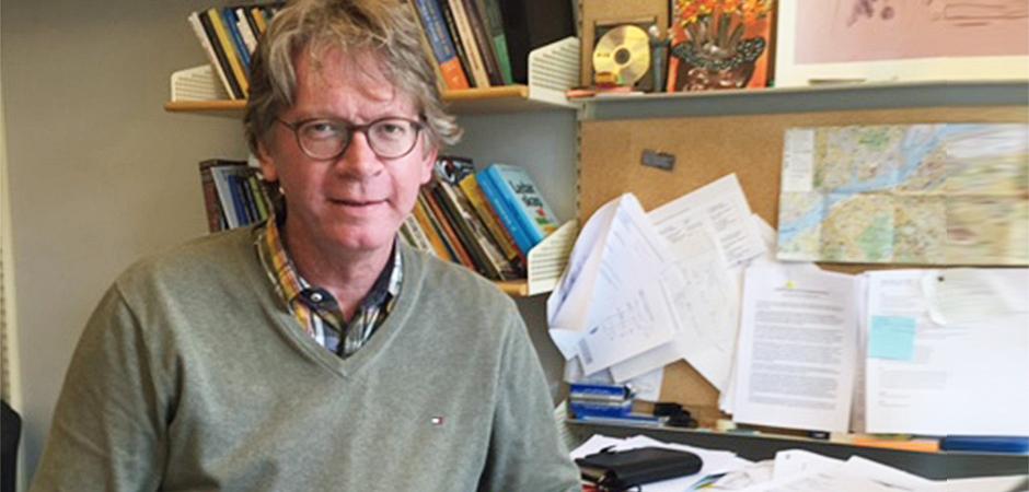 – Det finns tydliga samband mellan var i utvecklingen en grupp befinner sig och gruppmedlemmarnas välmående, säger Christian Jacobsson, psykolog och forskare på Göteborgs universitet.