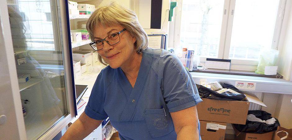 Vi har dagliga etiska dilemman hos oss. Mycket handlar om hur långt vårt ansvar för patienterna sträcker sig, säger Elisabet Löfgren, sjuksköterska och avdelningschef för dialysavdelningen.