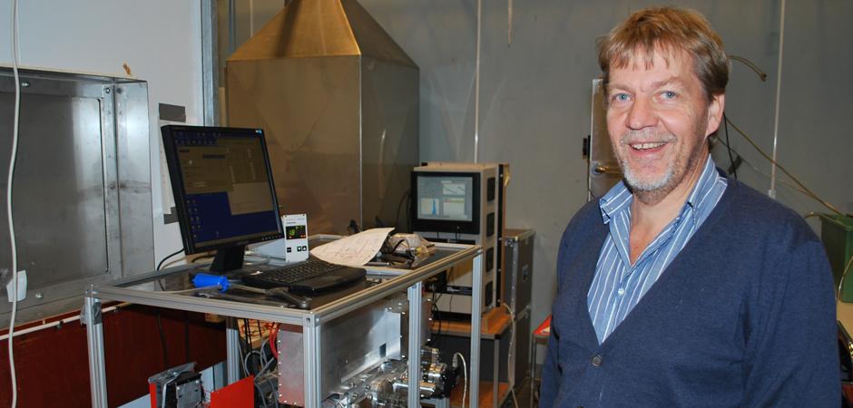 Forskaren Anders Gudmundsson i experimentverkstaden på Lunds Tekniska högskola.