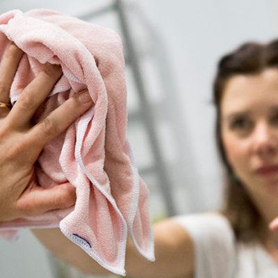 Webbstöd för städning sparar axlar och armar
