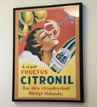 Gammal reklamtavla för dryck, Mariekällgården