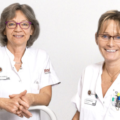 Två sjuksköterskor som forskar om dygnsrytmljus.