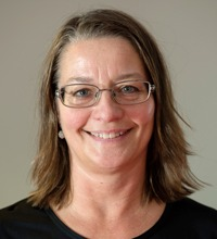 Christina Abrahamsson labundersköterska på Wästerläkarna har tidigare tränat jujitsu och har egen erfarenhet av att fallträning är bra.