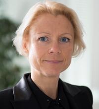 Närbild på Anna Cregård, forskare i företagsekonomi.