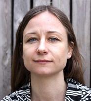 porträtt på Rebecka Cowen Forssell som skrivit ena vhandling om nätmobbning.