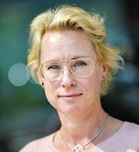 Porträttbild på Malin Jacobsson.