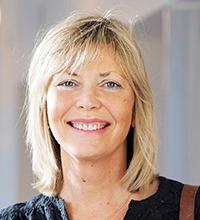 Porträttbild på Ewa Wikström.