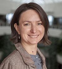Porträttbild på Olga Orrit.