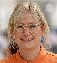 porträttbild på Lotta Håman.