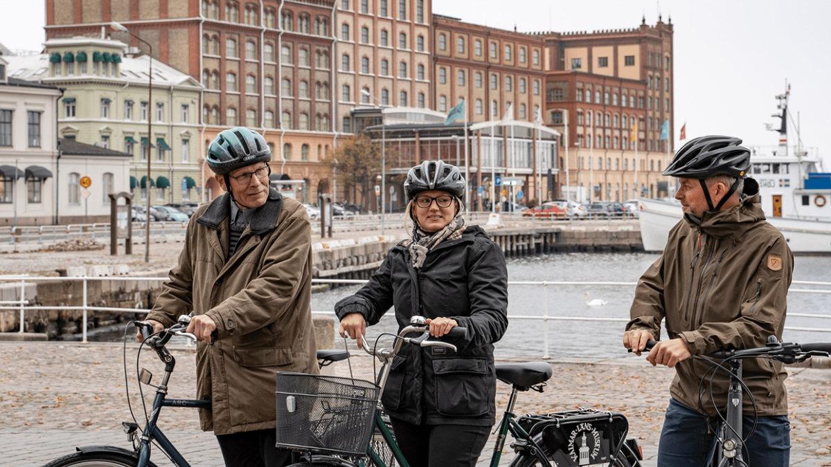 De tar cykeln till jobbet!