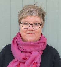 Porträtt på Gunnel Hensing, professor i socialmedicin vid Göteborgs universitet.